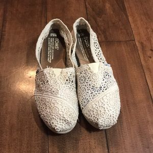 Girls cream lace toms flats